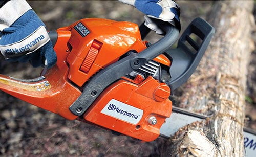 Tree sawing with Husqvarna 450 X-Torq