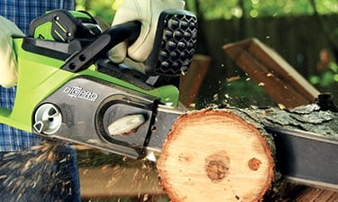 Guide to Battery Powered Chainsaws